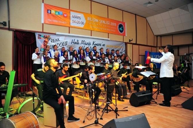 YYÜ Personelinden Muhteşem Halk Müziği Konseri