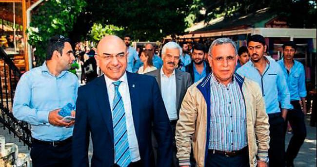 Yerel yöneticilerin elinde İzmir ağlıyor