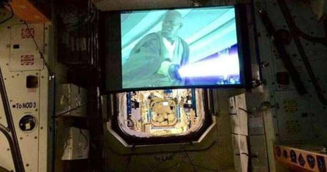 Star Wars filmi uzayda vizyonda