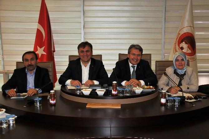 Milletvekili Üstün, Belediye Meclis Toplantısı'na Katıldı