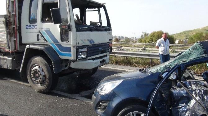 İzmir'de Trafik Kazası: Bir Ölü