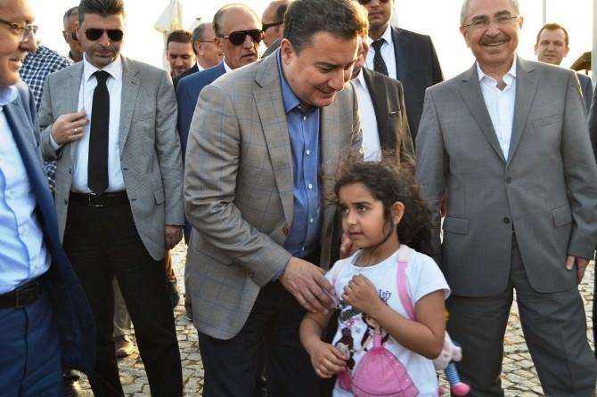 Başbakan Yardımcısı Babacan Ayvalık'ta İncelemelerde Bulundu