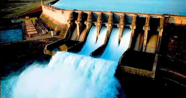 Aquila, Türkiye'de hidroelektrik santrali bakıyor