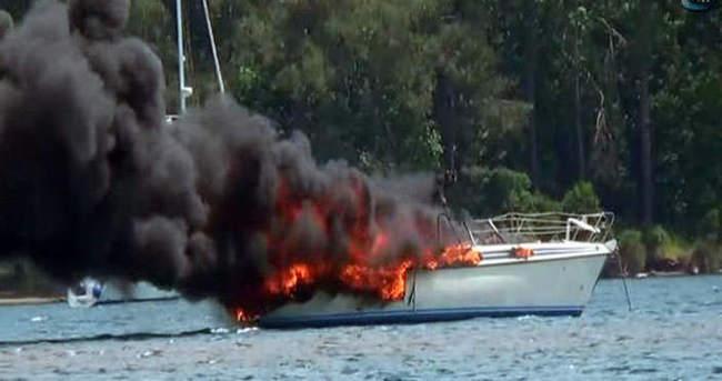 Lüks tekne cayır cayır yandı