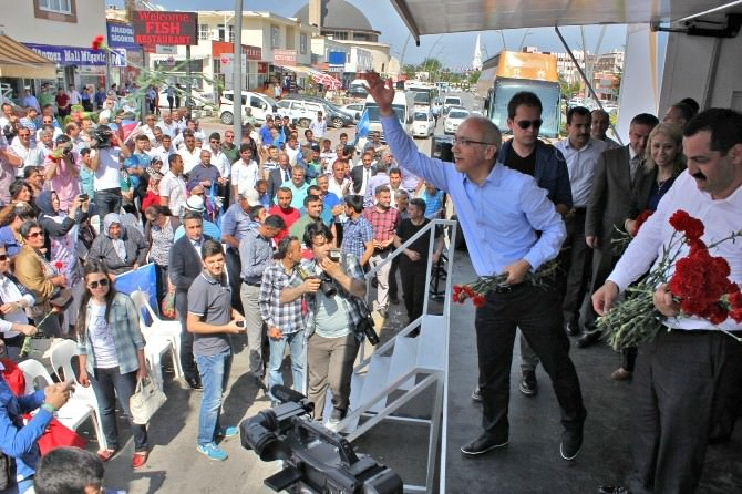 AK Parti'li Lütfi Elvan Kemerde Seçim Koordinasyon Merkeçi Açtı