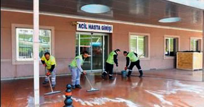 Büyükşehir'den hastane temizliği