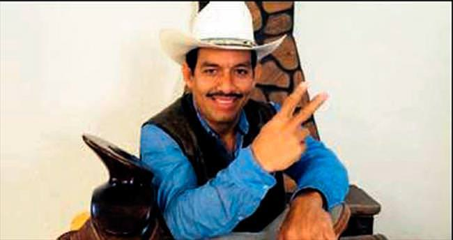 Meksikalı vekil dublör arıyor
