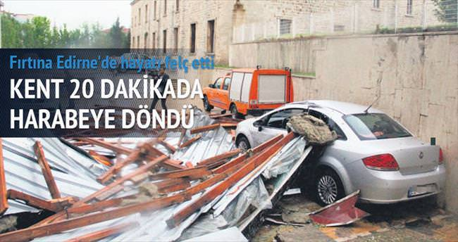 Bir fırtına tuttu Marmara'yı
