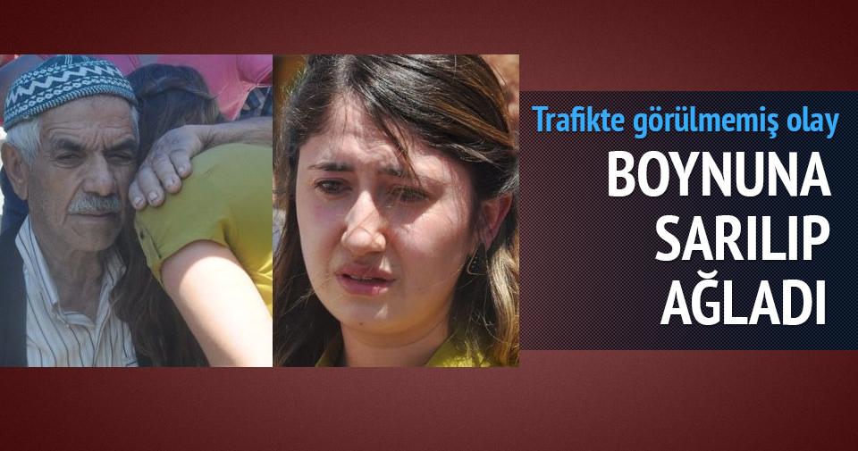 Kadın sürücünün gözyaşlarını tutamadı