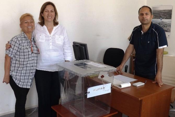 AK Parti'li Demiralp, Sandık Görevlilerini Ziyaret Etti