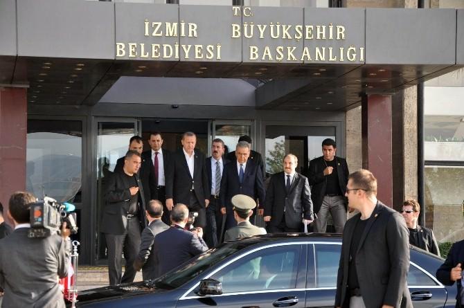Cumhurbaşkanı İzmir'de Büyükşehir Belediyesini Ve Valiliği Ziyaret Etti