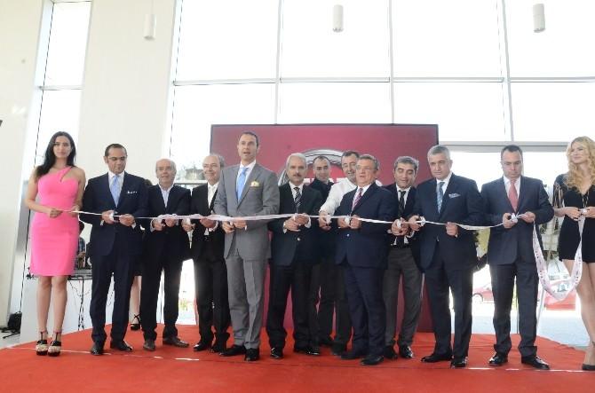 Kuşadası'nda Yeni Oto Entegre Tesisi Açıldı