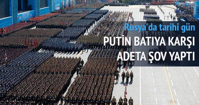 Batı boykot etti, Putin şov yaptı