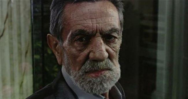 Aydemir Akbaş Zeki Alasya'nın cenazesinde patladı