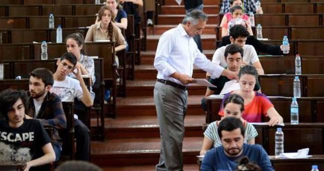 Öğrencilere aylık 2 bin TL burs