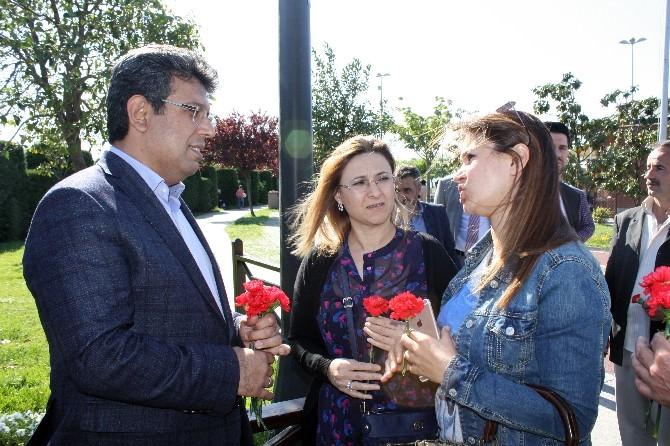 AK Parti Küçükçekmece'de Renkli Anneler Günü Etkinliği