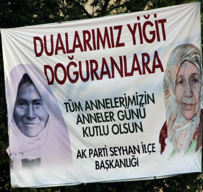 Başbakan Davutoğlu'na Anneler Günü Sürprizi