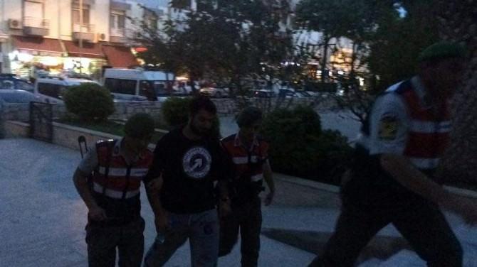 Kaçaklar Ve Organizatör Jandarma Kontrolüne Takıldı