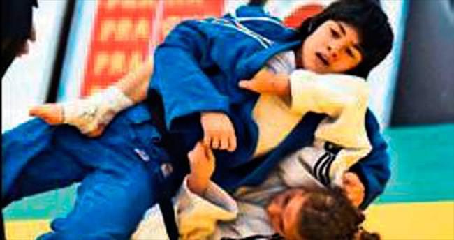 Ümit judoculardan 7 madalya