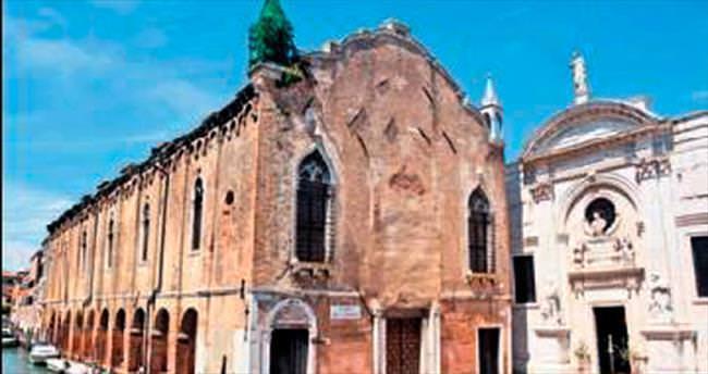Venedik, bienal sayesinde cami gördü