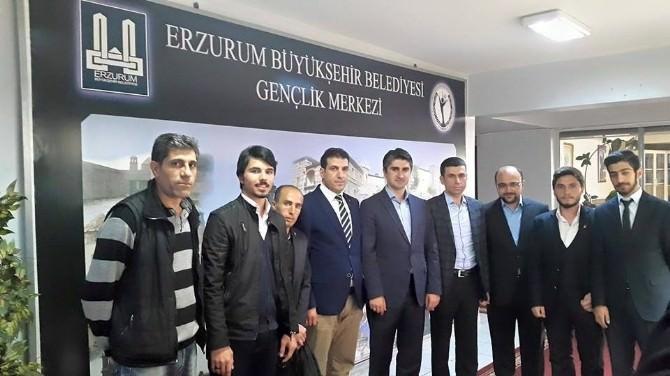 Tarıkdaroğlu, Gençlerle Biraraya Geldi