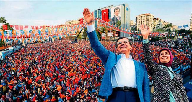 Bütün yollar Adana'ya çıkar
