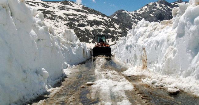 Antalya'da kar seferberliği