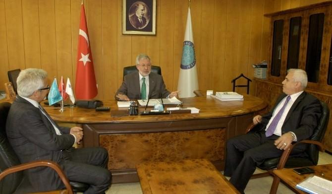 Başkan Mustafa Bozbey'den Rektör Ulcay'a 'Hayırlı Olsun' Ziyareti