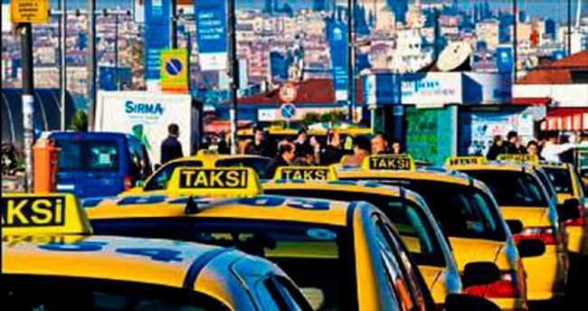 Alsancak'ta Korsan taksi operasyonunda 16 gözaltı