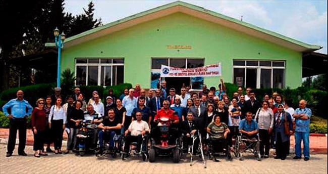 Tarsus Belediyesi engellileri unutmadı