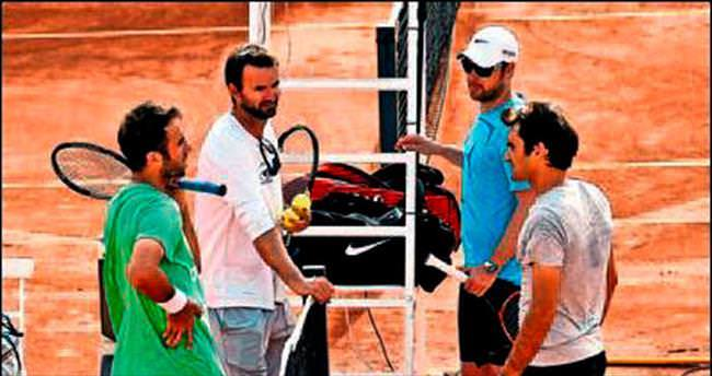 Nadal idmanı Federer'le