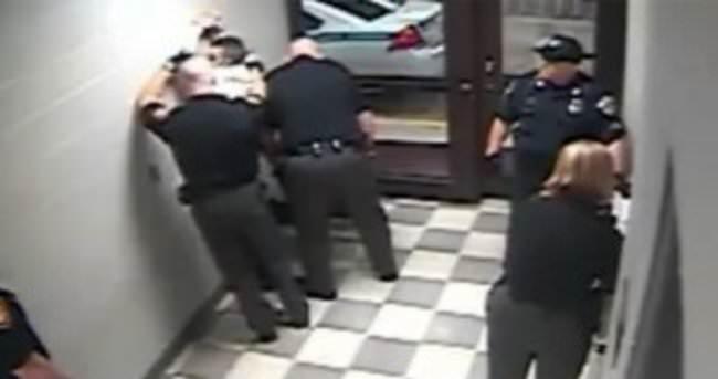 ABD polisi otistik genci karakolda öldürdü