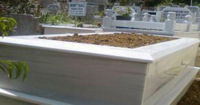 Sahibinden satılık mezar!