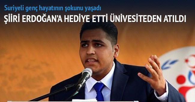 Erdoğan için şiir okudu, ünivesiteden atıldı