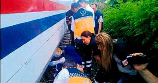 Genç kız trenin altında can verdi