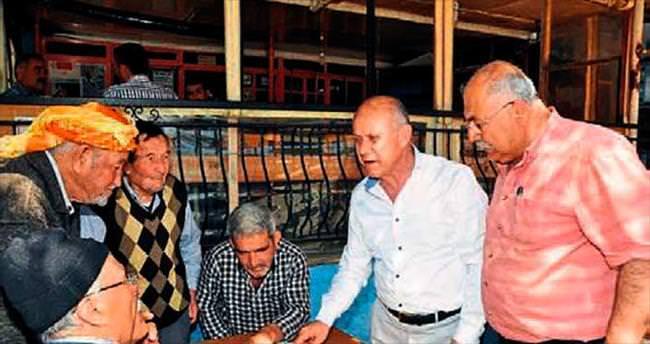 Şeboy: Kocaoğlu önüne konulan metni okuyor