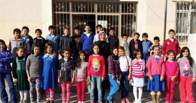 Türkiye'nin ilk başörtülü milli eğitim müdürü