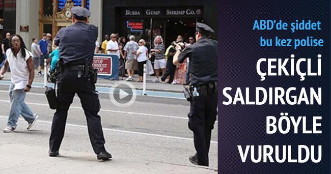 ABD'de çekiçli saldırgan polis tarafından vuruldu