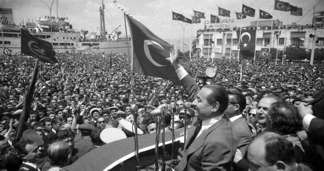 14 Mayıs 1950'nin parolasıdır: Durmak yok yola devam