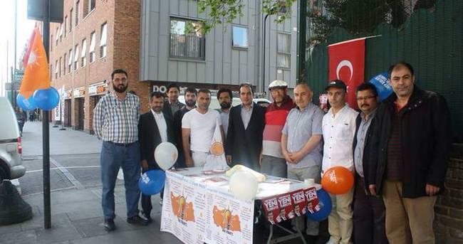 Londra'da AK Parti Standına Saldırı