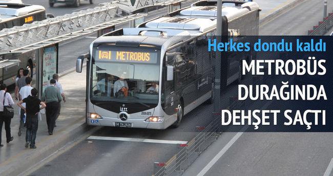 Şirinevler'de bir yolcu metrobüs şoförünü bıçakladı