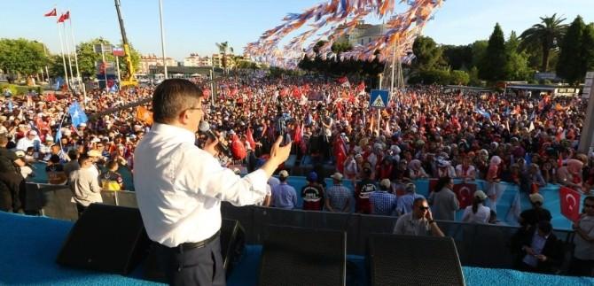 """Başbakan Davutoğlu: """"Artık Milyonlarca Menderes Var"""""""