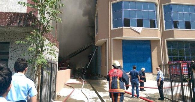 İstanbul'da üretim tesisinde yangın