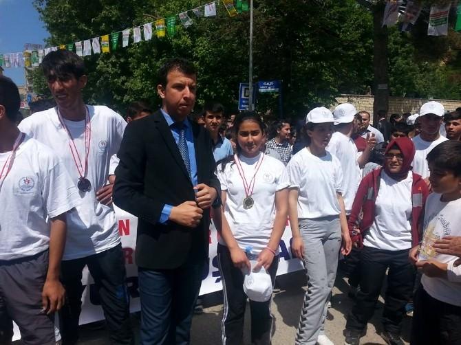 Silvan'da Gençlik Haftası Yürüyüşü