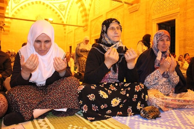 Selimiye Camii Miraç Kandili'nde Doldu Taştı