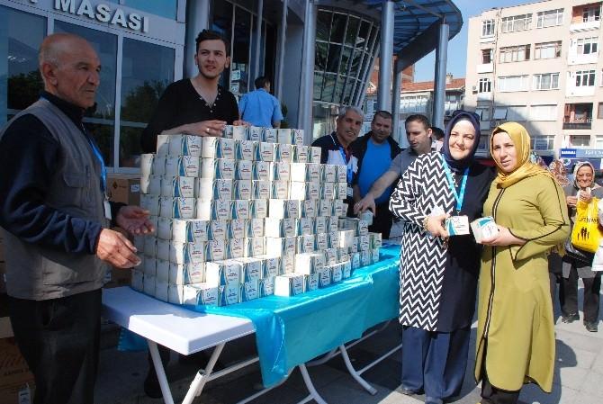 İzmit Belediyesi 3 Bin Paket Simit Dağıttı