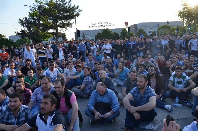 Renault İşçileri Eyleme Devam Kararı Aldı