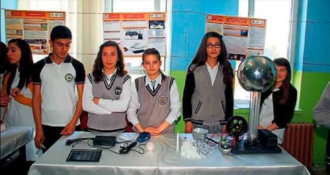Liselilerden bilim fuarı