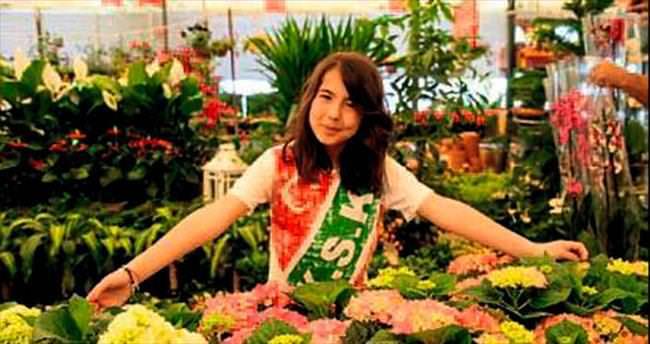 Çiçek festivalinin geliri öğrencilere