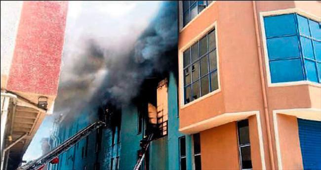 Beylikdüzü'nde yangın: 14 yaralı